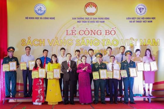 Vinh danh 74 công trình 'Sách vàng Sáng tạo Việt Nam' năm 2019   ảnh 2