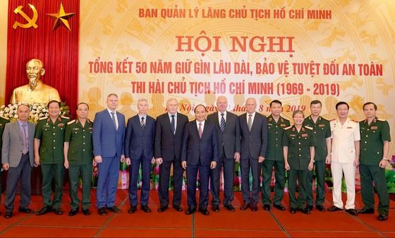 Thi hài Chủ tịch Hồ Chí Minh sau 50 năm đang được giữ gìn rất tốt   ảnh 2