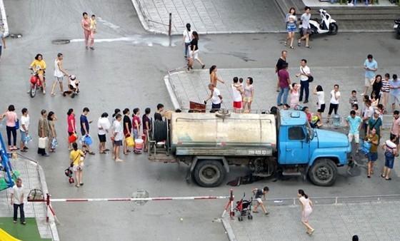 Thủ tướng yêu cầu Bộ Công an khẩn trương điều tra vụ nguồn nước ăn tại Hà Nội bị ô nhiễm ảnh 1