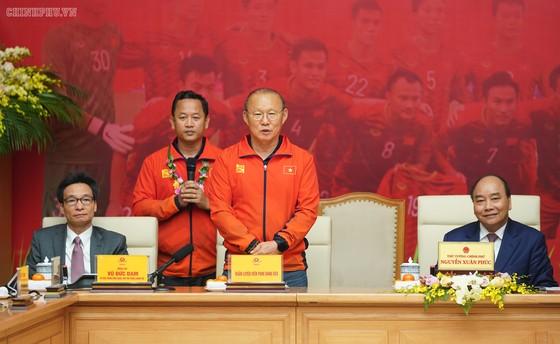 Thủ tướng Nguyễn Xuân Phúc: Vô địch bóng đá thể hiện khát vọng, ý chí Việt Nam ảnh 4