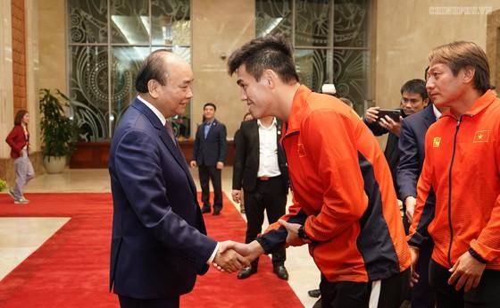 Thủ tướng Nguyễn Xuân Phúc: Vô địch bóng đá thể hiện khát vọng, ý chí Việt Nam ảnh 3