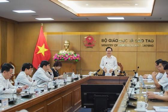Bộ trưởng Bộ GD-ĐT: Học bạ rất 'long lanh' nhưng chưa chắc chất lượng đã cao ảnh 2
