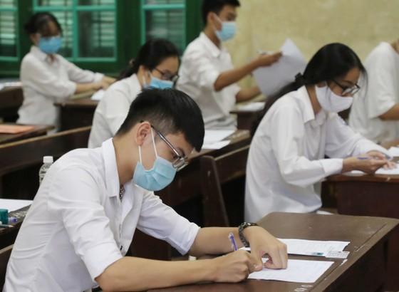 Hà Nội vệ sinh, khử khuẩn tại các phòng thi sau mỗi buổi thi ảnh 2