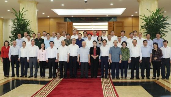 Tập thể Bộ Chính trị làm việc với tập thể Ban Thường vụ Thành ủy TPHCM  ảnh 6