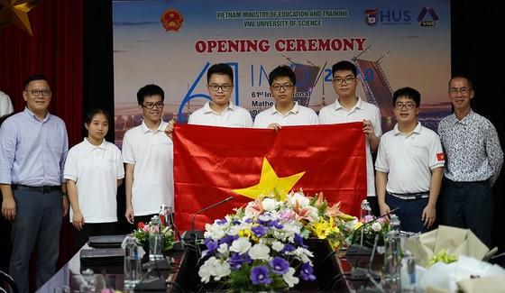 Lần đầu tiên, học sinh lớp 10 giành 2 Huy chương Vàng tại Olympic Toán học quốc tế năm 2020   ảnh 2