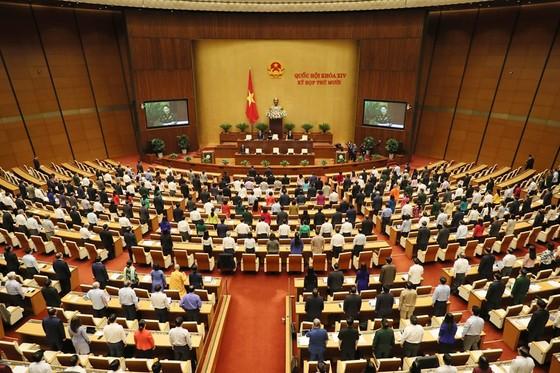 Chủ tịch Quốc hội muốn ngay trong năm 2021, di dân ra khỏi vùng có nguy cơ sạt lở, vùi lấp do thiên tai ảnh 1