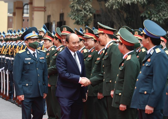 Thủ tướng Nguyễn Xuân Phúc thăm, làm việc với Sư đoàn 361, Quân chủng Phòng không - Không quân ảnh 1