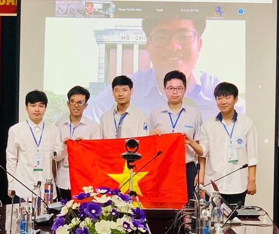 Học sinh Việt Nam đạt thành tích xuất sắc tại các kỳ Olympic quốc tế 2021   ảnh 2