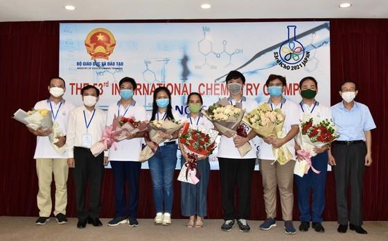 Học sinh Việt Nam xuất sắc đoạt 3 Huy chương vàng tại Olympic Hóa học quốc tế 2021 ảnh 1