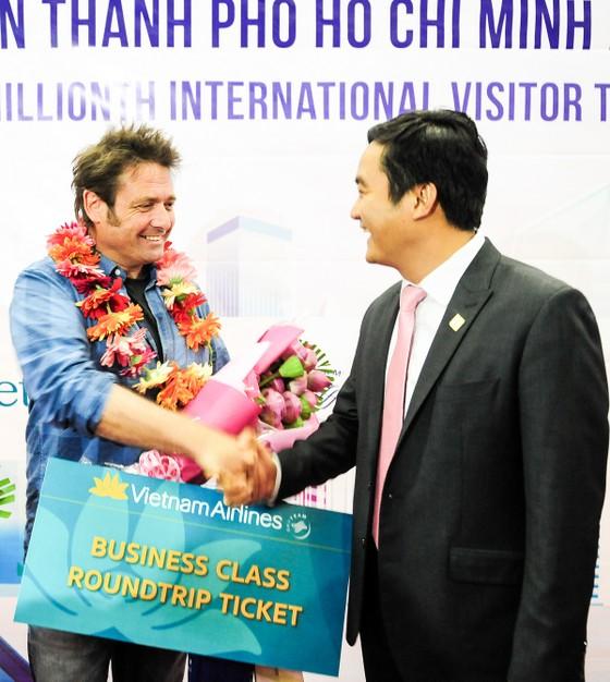 TPHCM đón vị khách quốc tế thứ 6 triệu ảnh 2