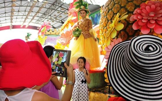 Hàng ngàn tấn trái cây đặc sản ở Lễ hội Trái cây Nam bộ ảnh 1