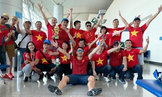 Sôi động tour đi Thái Lan cổ vũ đội tuyển bóng đá U23 Việt Nam ảnh 2