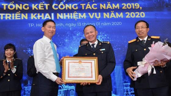 Cục Hải quan TPHCM tôn vinh 200 doanh nghiệp nộp thuế tiêu biểu năm 2019 ảnh 1