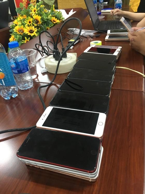 Tạm giữ 496 chiếc điện thoại Iphone đã qua sử dụng ảnh 1