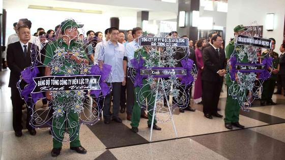 Ngày thứ hai cử hành lễ viếng nguyên Thủ tướng Phan Văn Khải ảnh 11