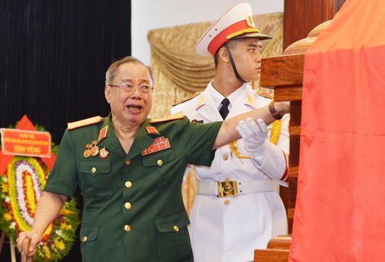 Ngày thứ hai cử hành lễ viếng nguyên Thủ tướng Phan Văn Khải ảnh 8