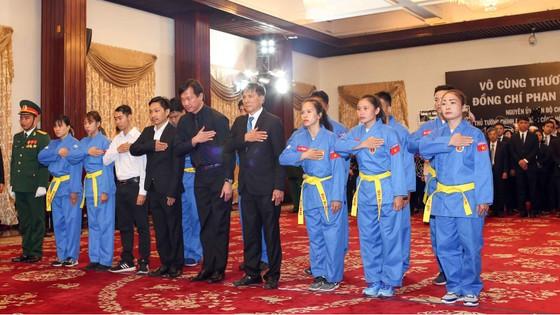 Ngày thứ hai cử hành lễ viếng nguyên Thủ tướng Phan Văn Khải ảnh 24