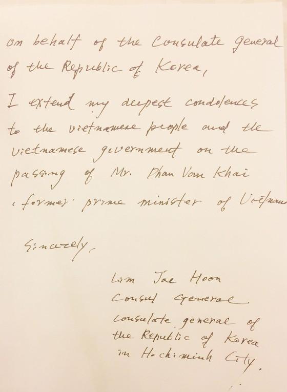 Nhiều đoàn ngoại giao đến viếng nguyên Thủ tướng Phan Văn Khải ảnh 24