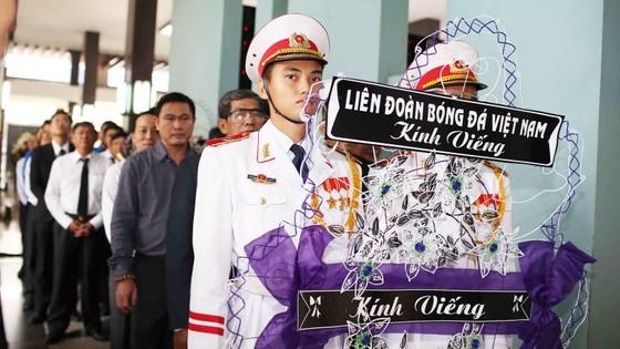 Ngày thứ hai cử hành lễ viếng nguyên Thủ tướng Phan Văn Khải ảnh 16
