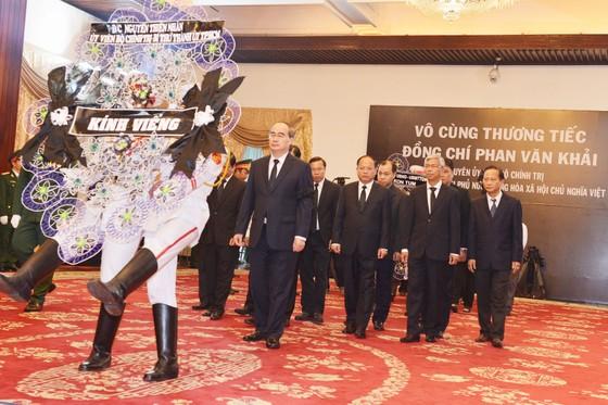 Ngày thứ hai cử hành lễ viếng nguyên Thủ tướng Phan Văn Khải ảnh 1