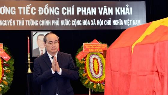 Ngày thứ hai cử hành lễ viếng nguyên Thủ tướng Phan Văn Khải ảnh 3