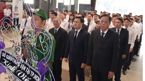 Ngày thứ hai cử hành lễ viếng nguyên Thủ tướng Phan Văn Khải ảnh 22