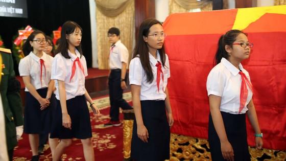 Ngày thứ hai cử hành lễ viếng nguyên Thủ tướng Phan Văn Khải ảnh 30