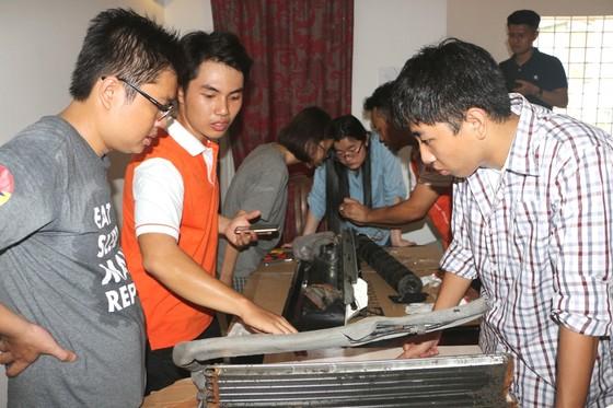 Chuyên gia hỗ trợ các nhà chế tạo trẻ Việt Nam phát triển sản phẩm thực tế ảnh 1