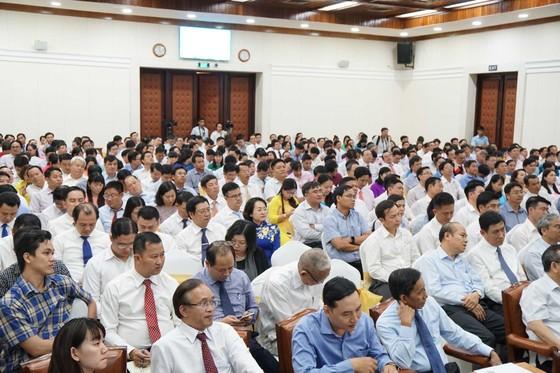 """Chủ tịch UBND TPHCM Nguyễn Thành Phong yêu cầu chủ tịch phường tránh việc làm """"có hại cho dân"""" ảnh 1"""