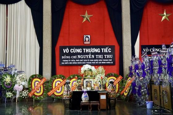 Bí thư Thành ủy TPHCM Nguyễn Thiện Nhân viếng Phó Chủ tịch UBND TPHCM Nguyễn Thị Thu ảnh 1