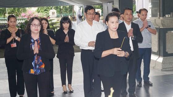 Chủ tịch Quốc hội Nguyễn Thị Kim Ngân viếng Phó Chủ tịch UBND TPHCM Nguyễn Thị Thu ảnh 1