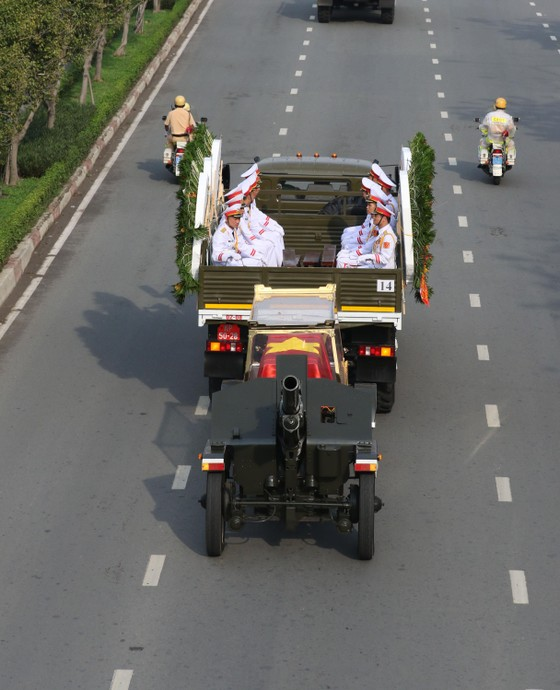 Lễ an táng nguyên Chủ tịch nước Lê Đức Anh  ảnh 12