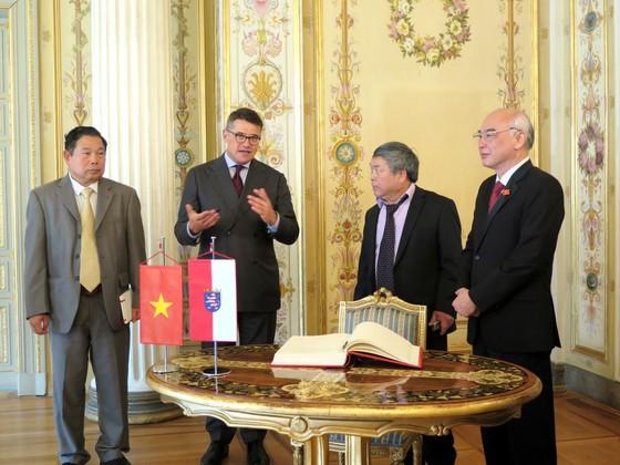 Đoàn Đại biểu Quốc hội TPHCM chào xã giao Chủ tịch Quốc hội bang Hessen - Đức ảnh 1