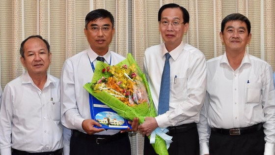 Đồng chí Hoàng Tùng làm Chủ tịch UBND huyện Nhà Bè ảnh 1