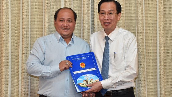 Đồng chí Hoàng Tùng làm Chủ tịch UBND huyện Nhà Bè ảnh 2
