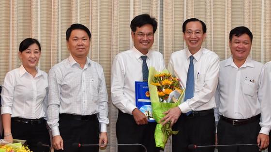 Đồng chí Hoàng Tùng làm Chủ tịch UBND huyện Nhà Bè ảnh 3