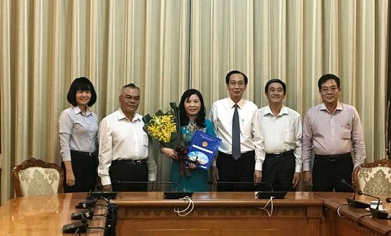 Bà Lê Thị Anh Thư làm Phó Chủ tịch UBND huyện Nhà Bè ảnh 1