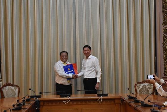 Đồng chí Trần Phi Long làm Chủ tịch UBND quận 11 ảnh 1