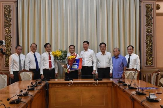 Đồng chí Trần Phi Long làm Chủ tịch UBND quận 11 ảnh 2
