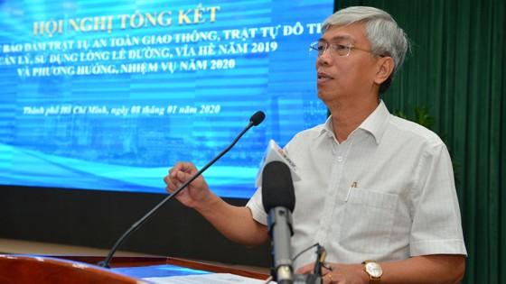 """Chủ tịch UBND TPHCM Nguyễn Thành Phong: """"Xử"""" người đứng đầu địa phương nếu vỉa hè bị lấn chiếm ảnh 2"""