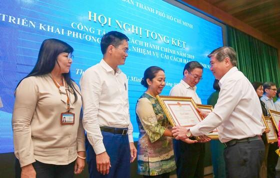 Chủ tịch UBND TPHCM Nguyễn Thành Phong: 99% người dân hài lòng là… chưa sát thực tế ảnh 3