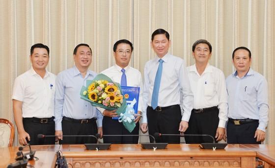 Ông Lê Huỳnh Minh Tú làm Phó Giám đốc Sở Công thương TPHCM ảnh 2