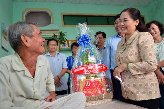 Chủ tịch HĐND TPHCM Nguyễn Thị Lệ khảo sát về phát triển sản phẩm chủ lực ở huyện Cần Giờ ảnh 2