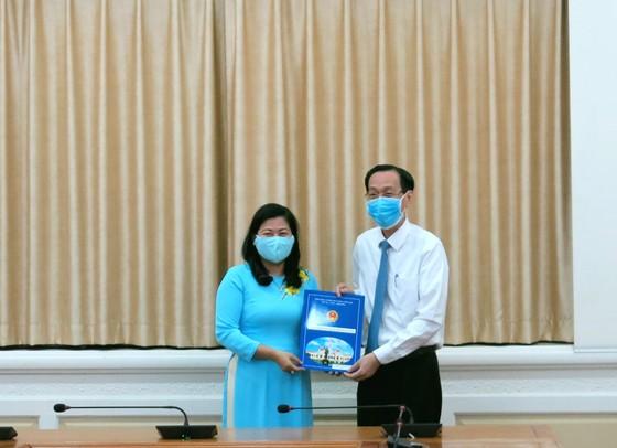 Bà Nguyễn Thị Hồng Thắm làm Phó Giám đốc Sở Nội vụ TPHCM ảnh 1