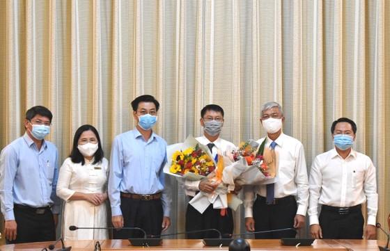 Phó Chủ tịch UBND TPHCM Võ Văn Hoan trao quyết định cán bộ  ảnh 1