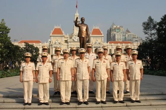 Lãnh đạo TPHCM dâng hương tưởng niệm Chủ tịch Hồ Chí Minh, Chủ tịch Tôn Đức Thắng ảnh 10