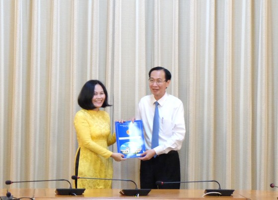 Bà Phan Thị Hồng làm Phó Giám đốc Sở Tài chính TPHCM ảnh 1