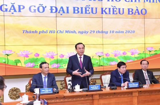 Bí thư Thành ủy TPHCM Nguyễn Văn Nên: Tạo nhiều cơ hội hơn cho kiều bào khi trở về quê nhà ảnh 1