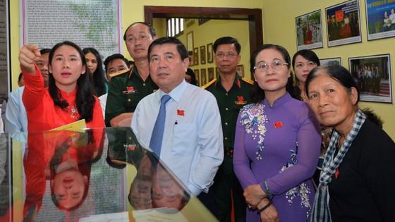 Khánh thành Bia tưởng niệm các anh hùng liệt sĩ nữ du kích Củ Chi ảnh 2