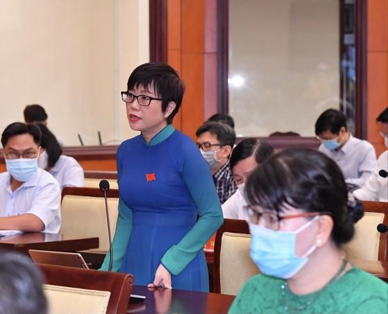 Chủ tịch UBND TPHCM Nguyễn Thành Phong đăng đàn trả lời chất vấn ảnh 3